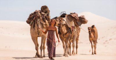 Nuovi video di Tracks – Attraverso il deserto, da oggi al cinema