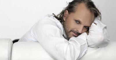 """Esce oggi """"Amo"""" il nuovo album di inediti di Miguel Bosè"""
