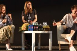 Charlie Heaton e Natalia Dyer di Stranger Things: 'E' cresciuta anche la storia d'amore'
