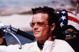 Addio a Peter Fonda, leggendario interprete di 'Easy Rider'