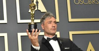 Chi è Taika Waititi, Oscar 2020: l'innocenza contro l'orrore